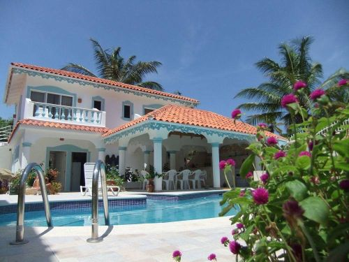 #0 Spacious villa with ocean view just steps from the beach