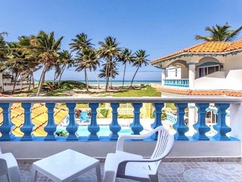 #1 Spacious villa with ocean view just steps from the beach
