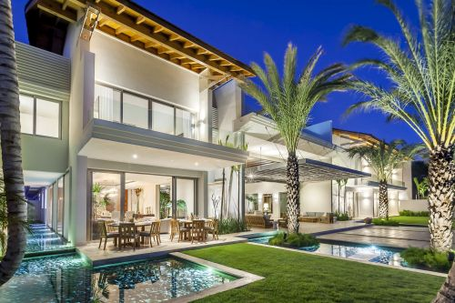 #1 Unique stunning modern waterfront mansion at Casa de Campo