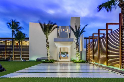 #2 Unique stunning modern waterfront mansion at Casa de Campo