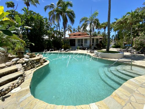 #1 A great income producing waterfront villa with great rental history!