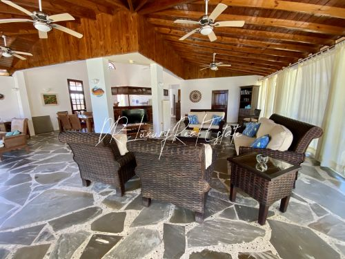 #4 A great income producing waterfront villa with great rental history!