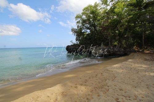 #6 Magnificent beachfront land perfect for residential development