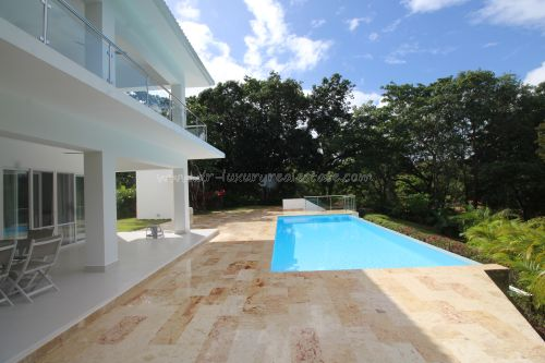 #1 Huge Modern Familiy Villa with Pool in gated development