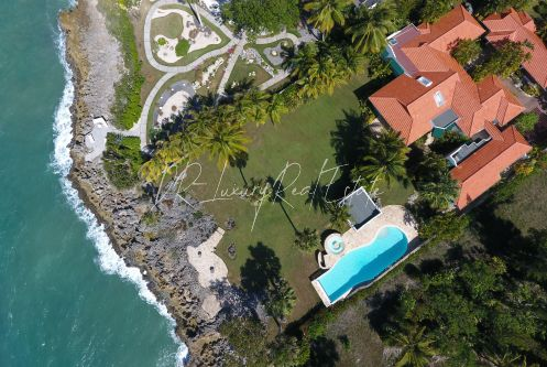 #10 Gorgeous oceanfront villa in exclusive gated community