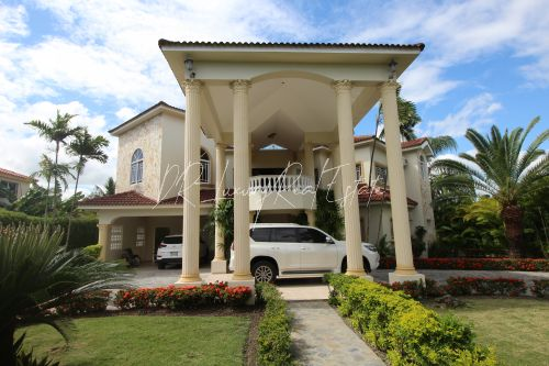 #4 The house of your dreams and an amazing property in Sabaneta