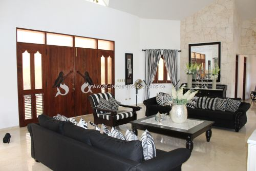 #3  Beautiful villa in select community close to the beach