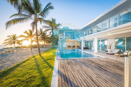 #1 Modern Luxury Beachfront Villa for Rent