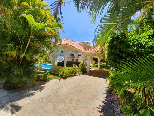 #17 Villa located in a gated community close to the beach